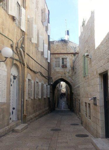 old city Jerusalem cobbled streets