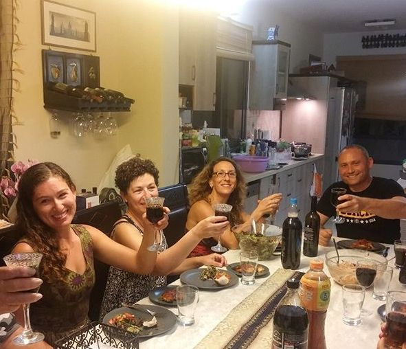 Betzavta invite tourists to share a home-cooked dinner with Israelis