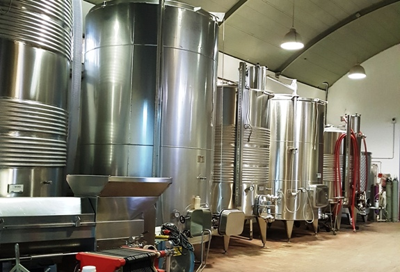 Bravdo Karmei Yosef Winery near Jerusalem take a hitech approach to quality winemaking