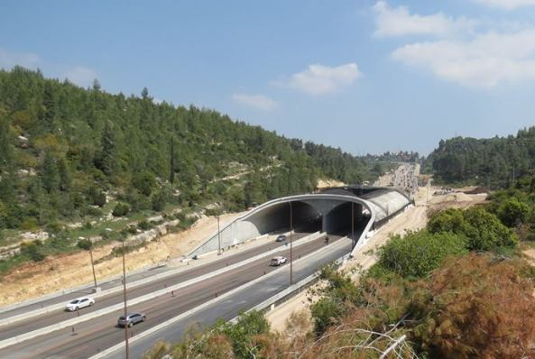 Highway No. 1 from Tel Aviv to Jerusalem