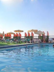 grand beach hotel tel aviv rooftop pool