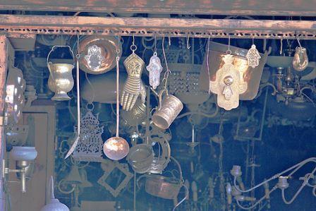 israel jaffa flea market shuk hapishpishim new and used trinkets knick-knacks
