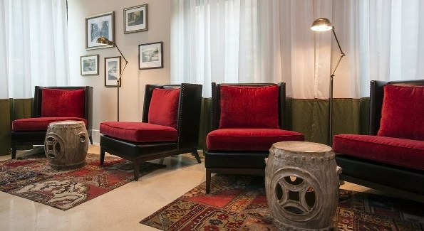 common sitting area at the Arthur Boutique hotel in Jerusalem