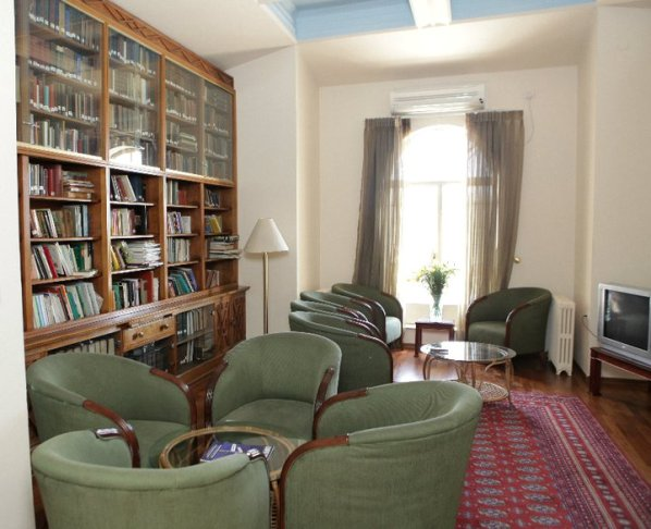 library at St. Andrews Scots Guesthouse in Jerusalem