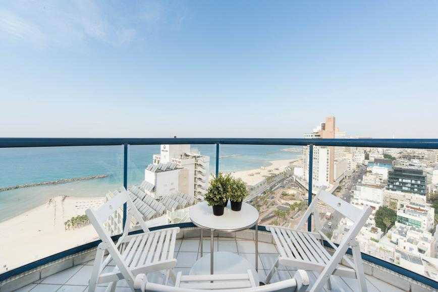 Luxury 2 bedroom Isrotel vacation apartment - seaview balcony