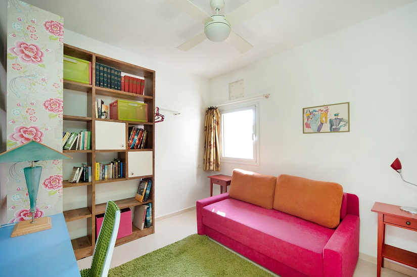 Charming Neve Tzedek 2BR vacation apartment - 2nd bedroom