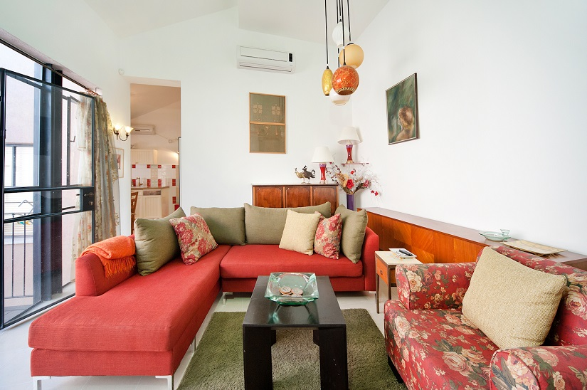 Charming Neve Tzedek 2BR vacation apartment  - living room