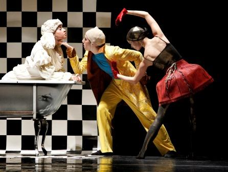 poodle it - a fun Tel Aviv dance performance by Nadine Animato at Suzanne Dellal Dance Center