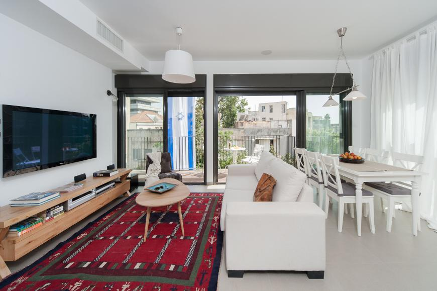 Renting a vacation apartament in Tel Aviv vs. a hotel