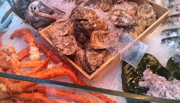 fresh seafood in Sarona market