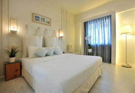 SeetheSea Hotel quality budget apartment hotel in tel aviv near the port (namal)