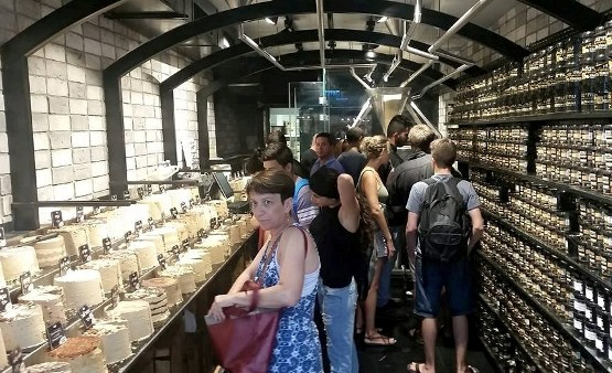 shopping in Tel Aviv's Sarona market