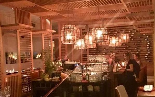 Tel Aviv Best Restaurants - the bar at Jonathan Food Club