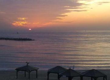 tel aviv sunset from hilton beach near melody hotel