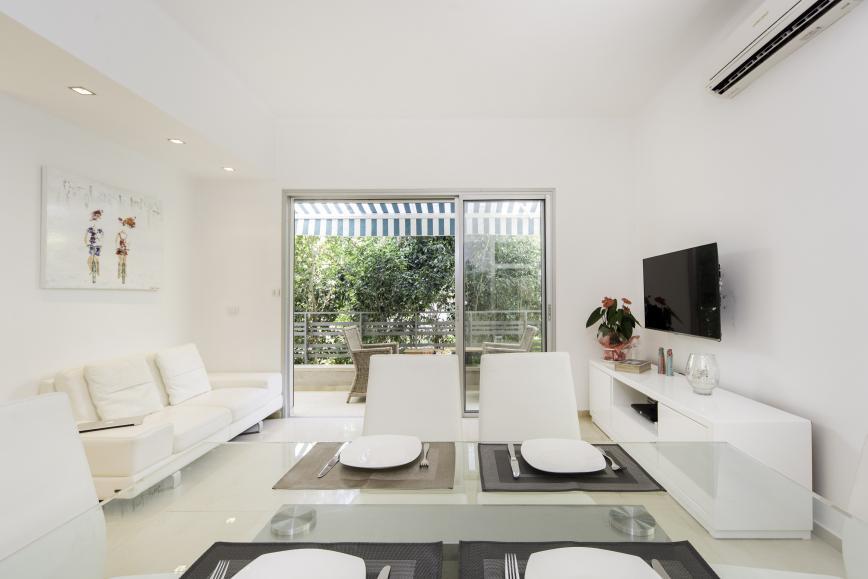 luxury short-term rental apartment Tel Aviv residential neighborhood