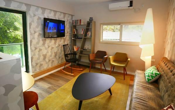 Tel Aviv Gordon Inn cozy common area