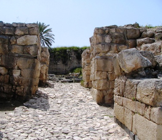Megiddo biblical archaeology - gates and citadel of Solomon