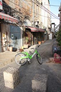 Tel Aviv Tel-o-fun bicycle in a Jaffa alleyway