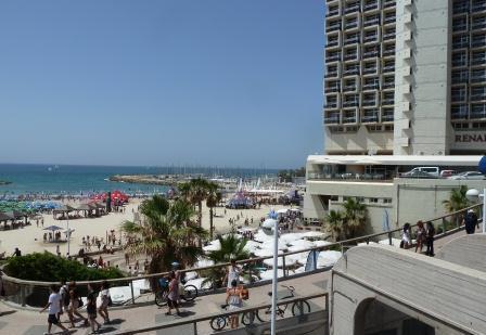 tel aviv hotels the marina beach promendate view of renaissance hotel