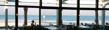 Tel Aviv best restaurants Manta Ray Seafood on Alma Beach