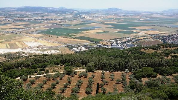 view of Jezreel valley from Muchraka in the Carmel Mountain range